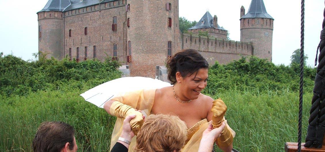 Bruid bij het muiderslot